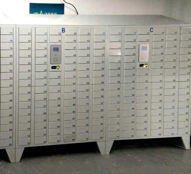 久本机械92门员工手机柜
